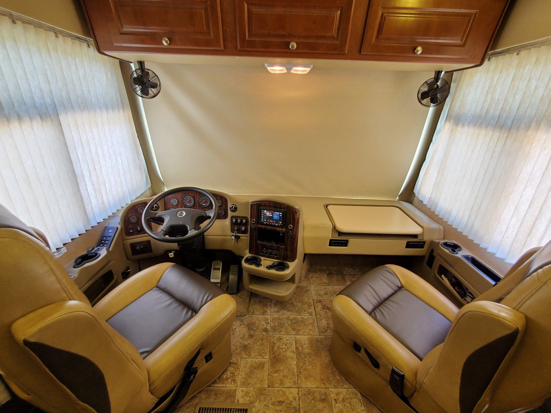2014 Thor Palazzo 36.1 in Wolfforth, Texas - Photo 4