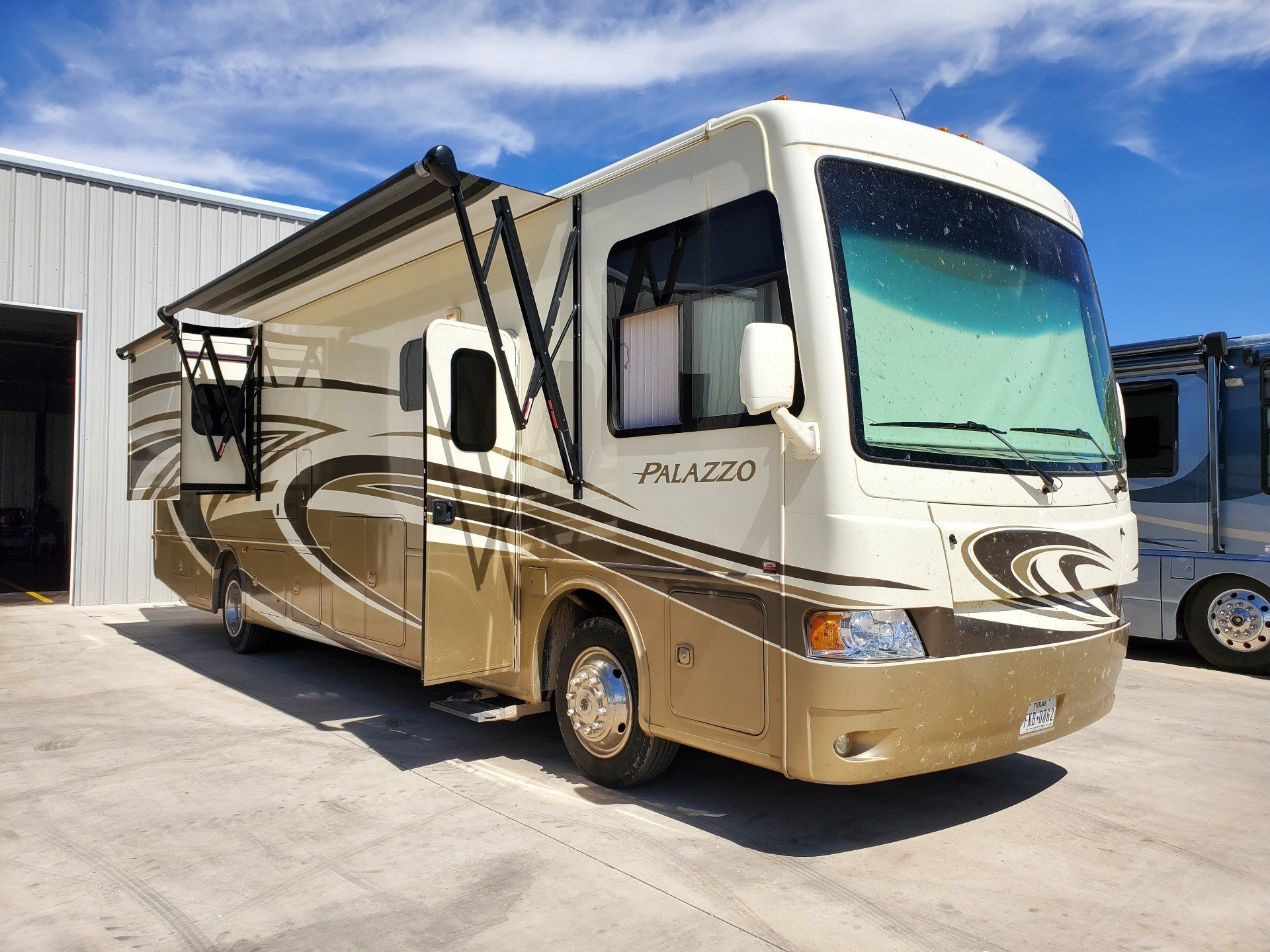 2014 Thor Palazzo 36.1 in Wolfforth, Texas - Photo 21