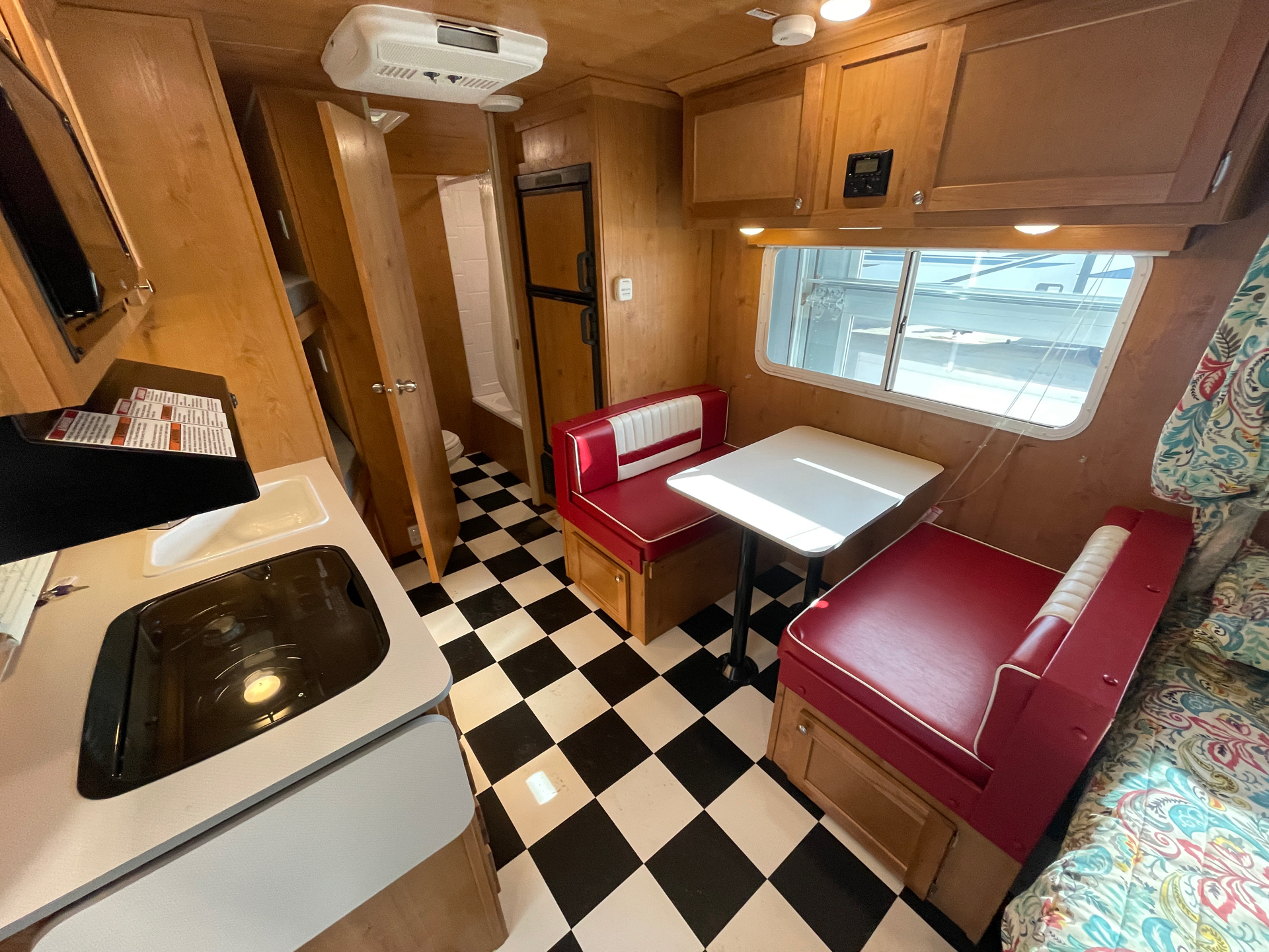 2019 Riverside RV  Retro 190BH in Wolfforth, Texas - Photo 7