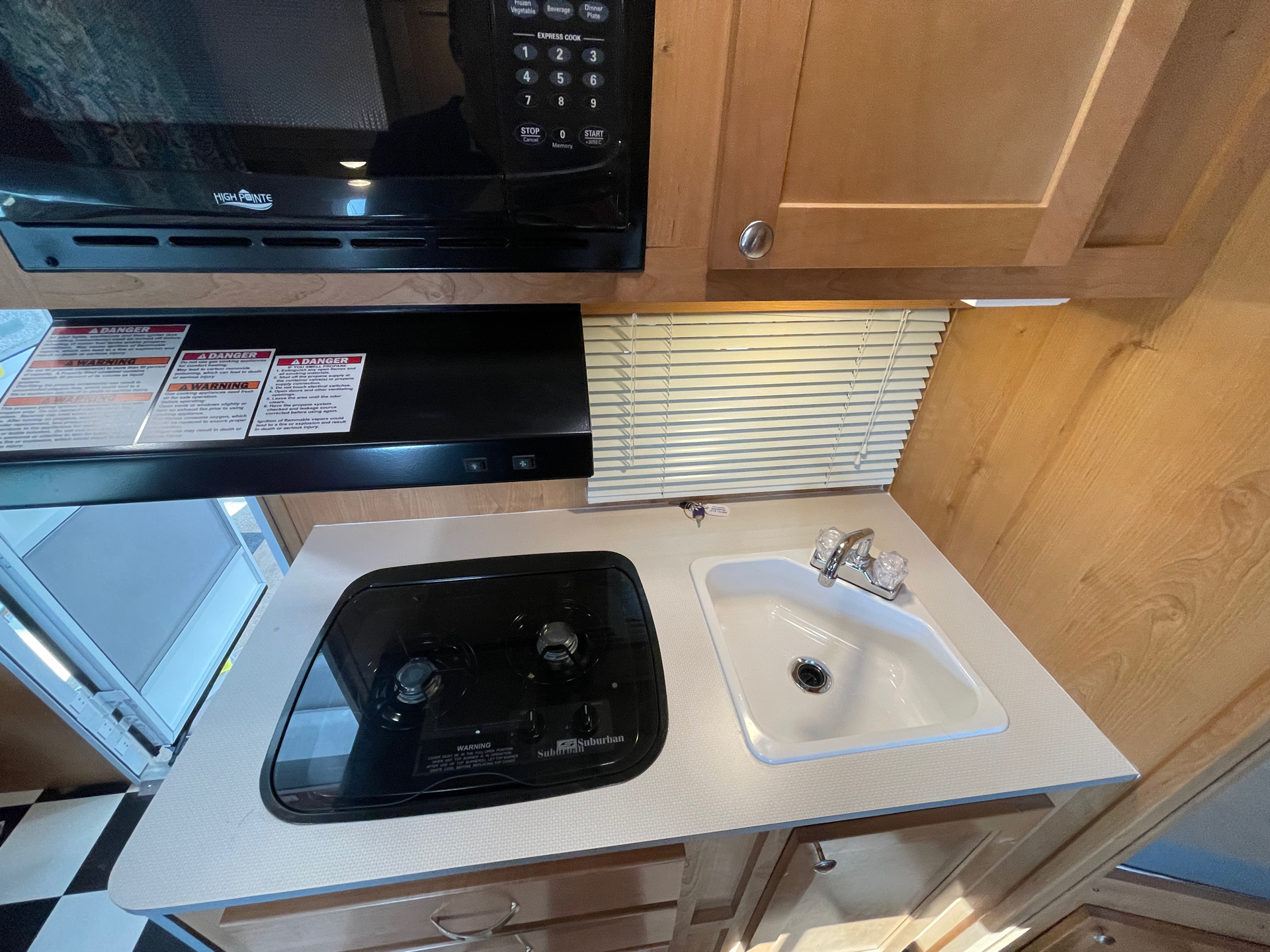 2019 Riverside RV  Retro 190BH in Wolfforth, Texas - Photo 13