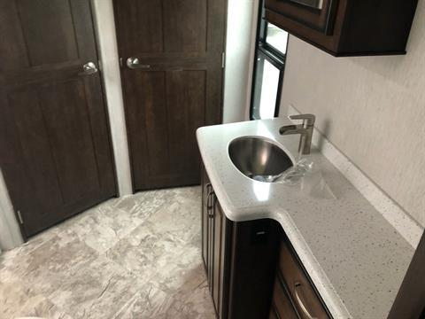 2020 Heartland Rvs LM Newport in Wolfforth, Texas - Photo 10