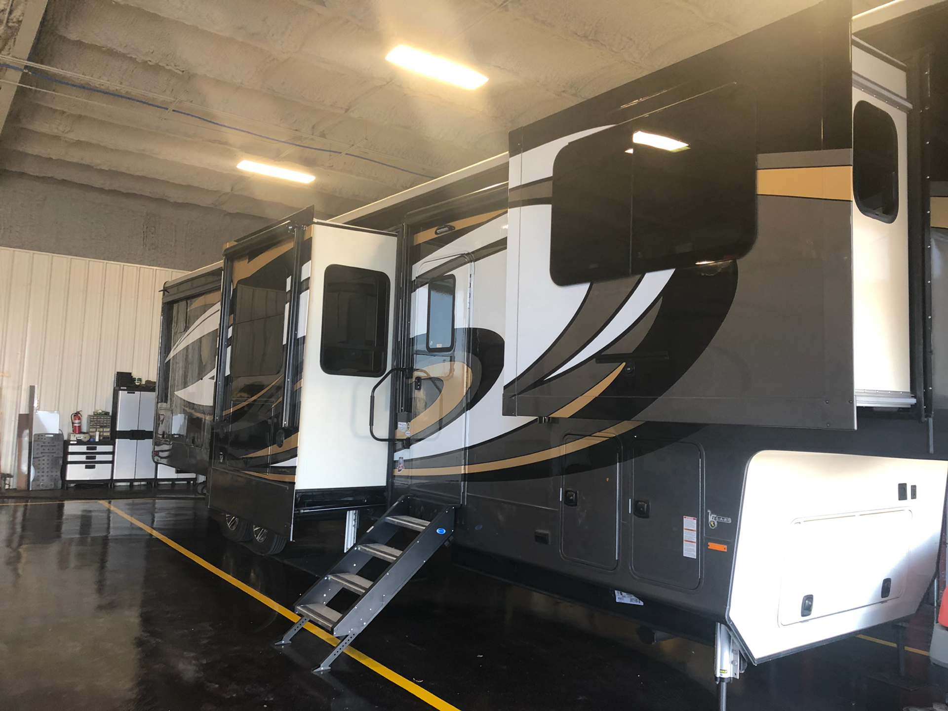 2020 Heartland Rvs LM Lafayette in Wolfforth, Texas - Photo 1