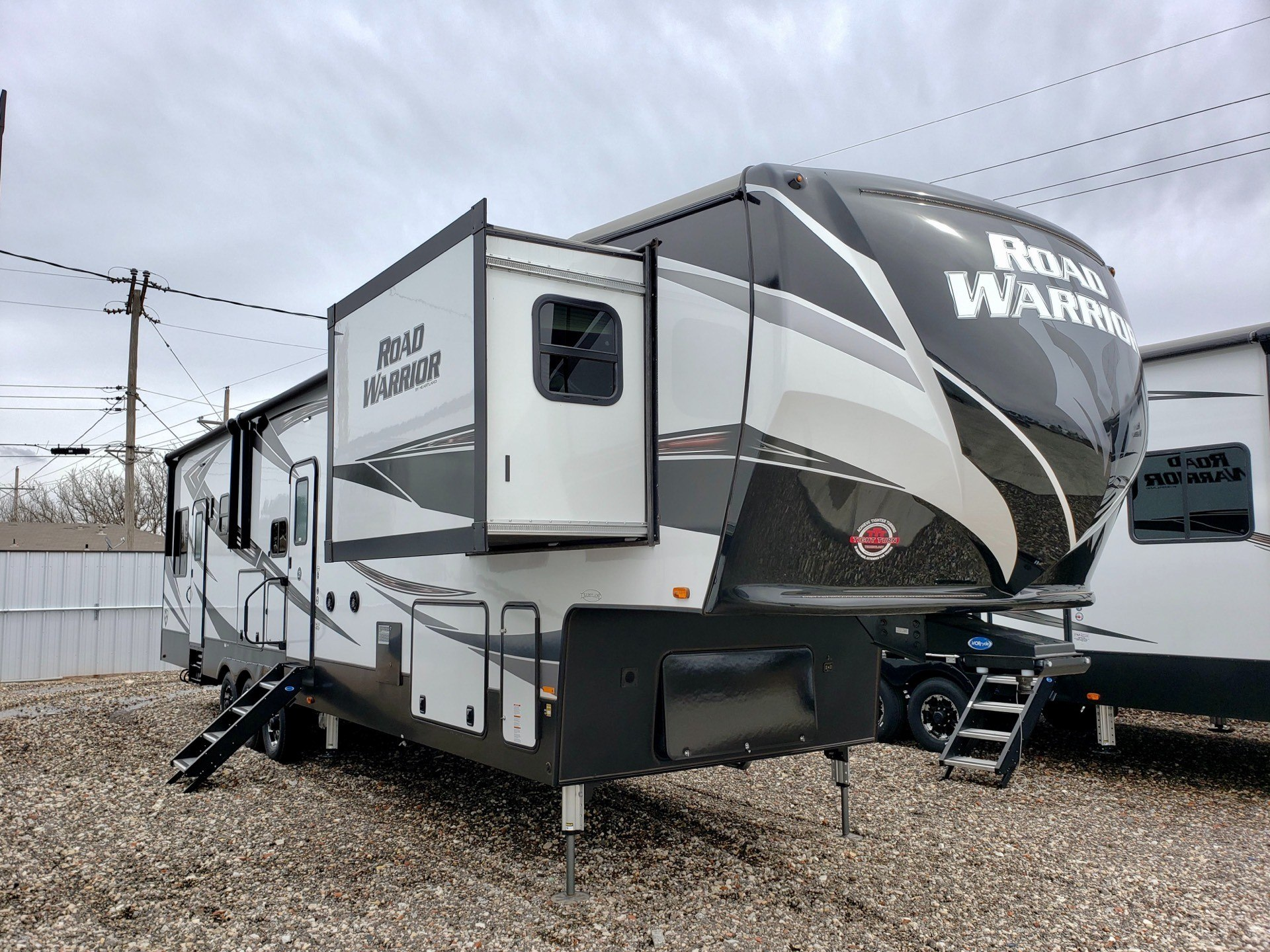 2020 Heartland Road Warrior 414 in Wolfforth, Texas - Photo 1