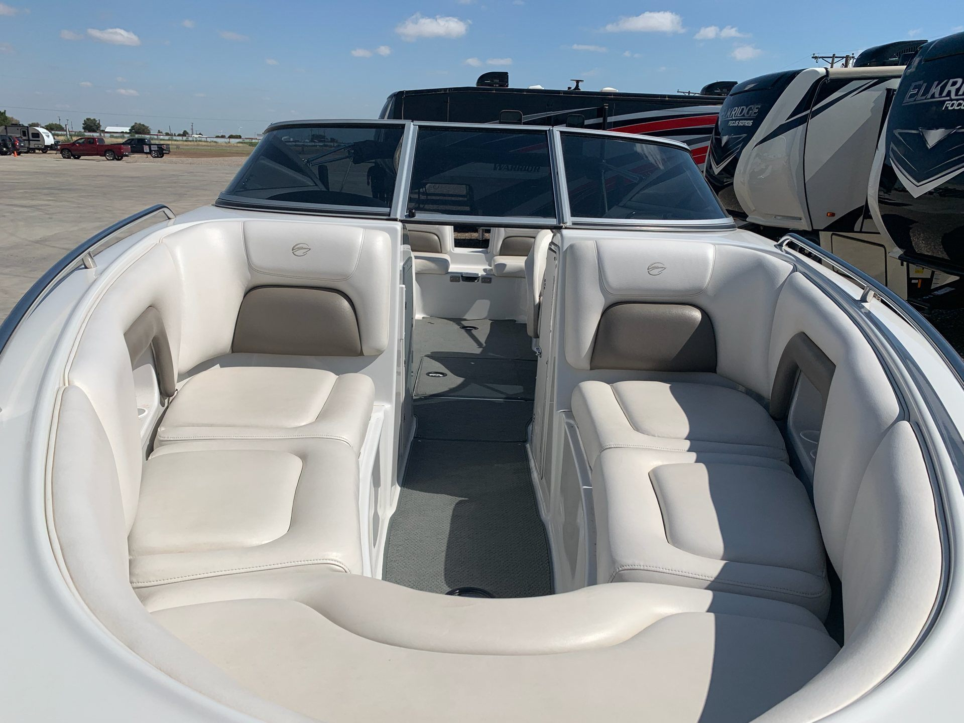 2004 Crownline 270BR in Wolfforth, Texas - Photo 9
