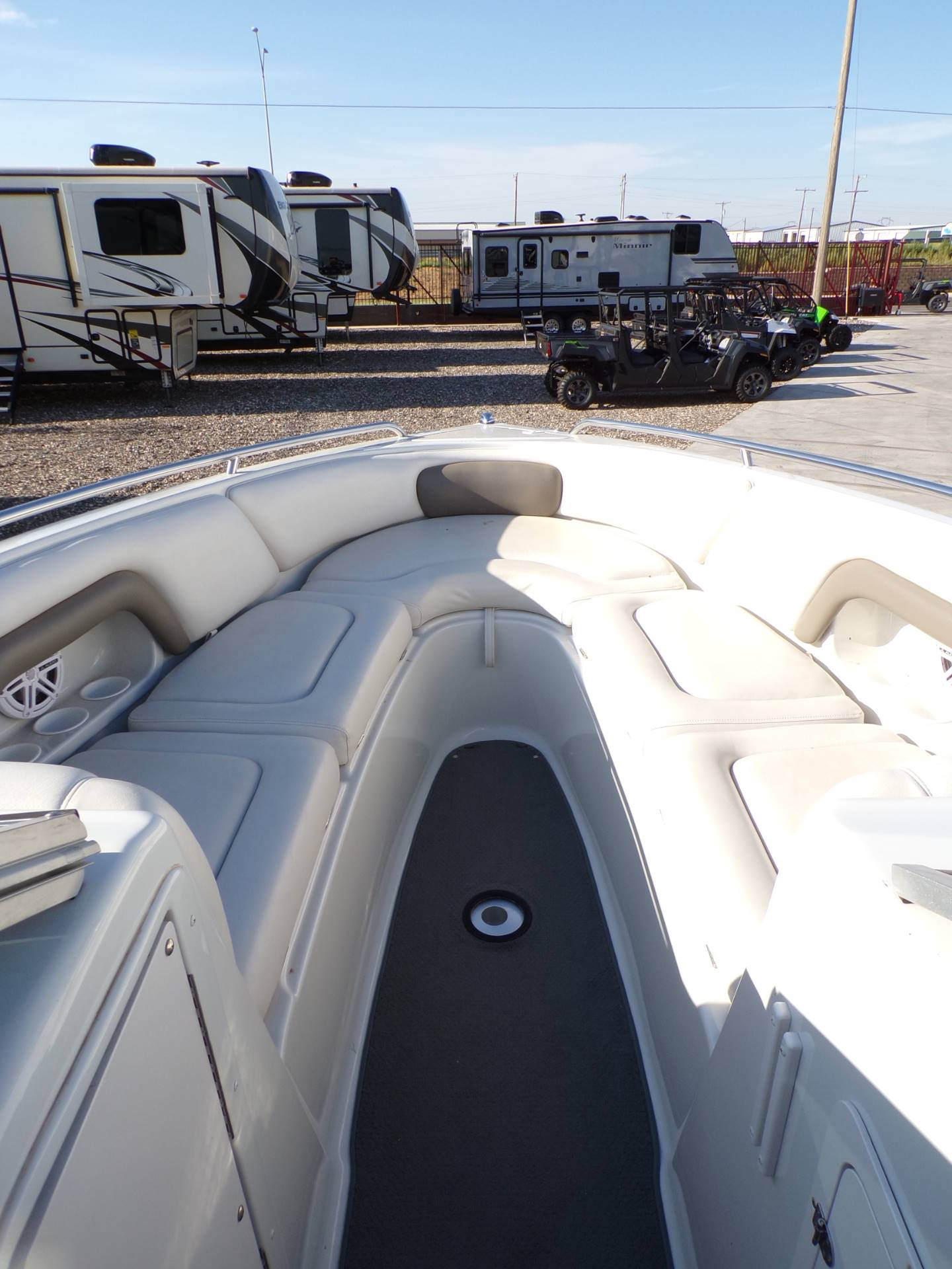 2004 Crownline 270BR in Wolfforth, Texas - Photo 13
