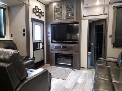 2020 Heartland Road Warrior 430 in Wolfforth, Texas - Photo 2
