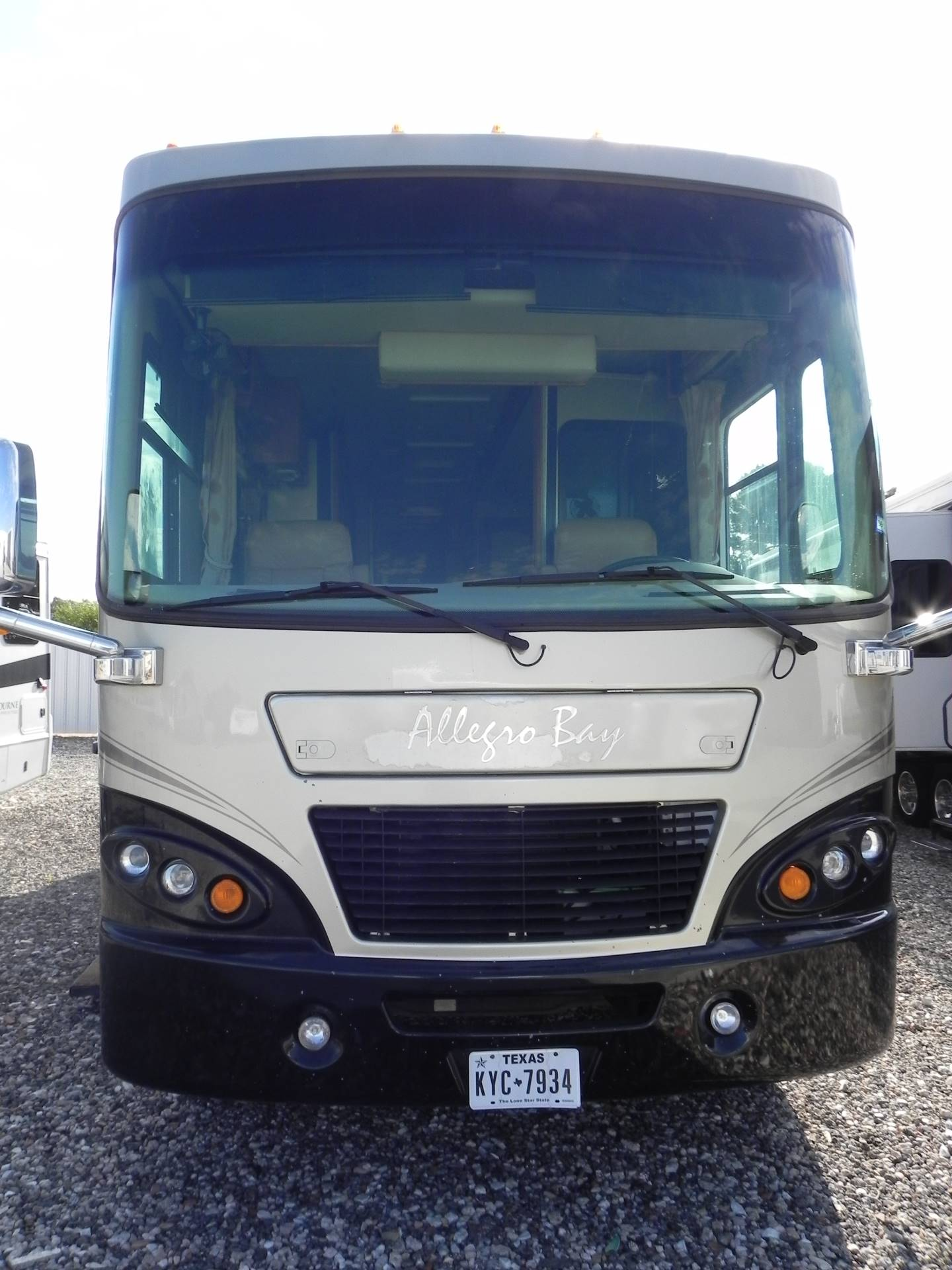 2008 Alegro Allegro Bus in Wolfforth, Texas - Photo 2