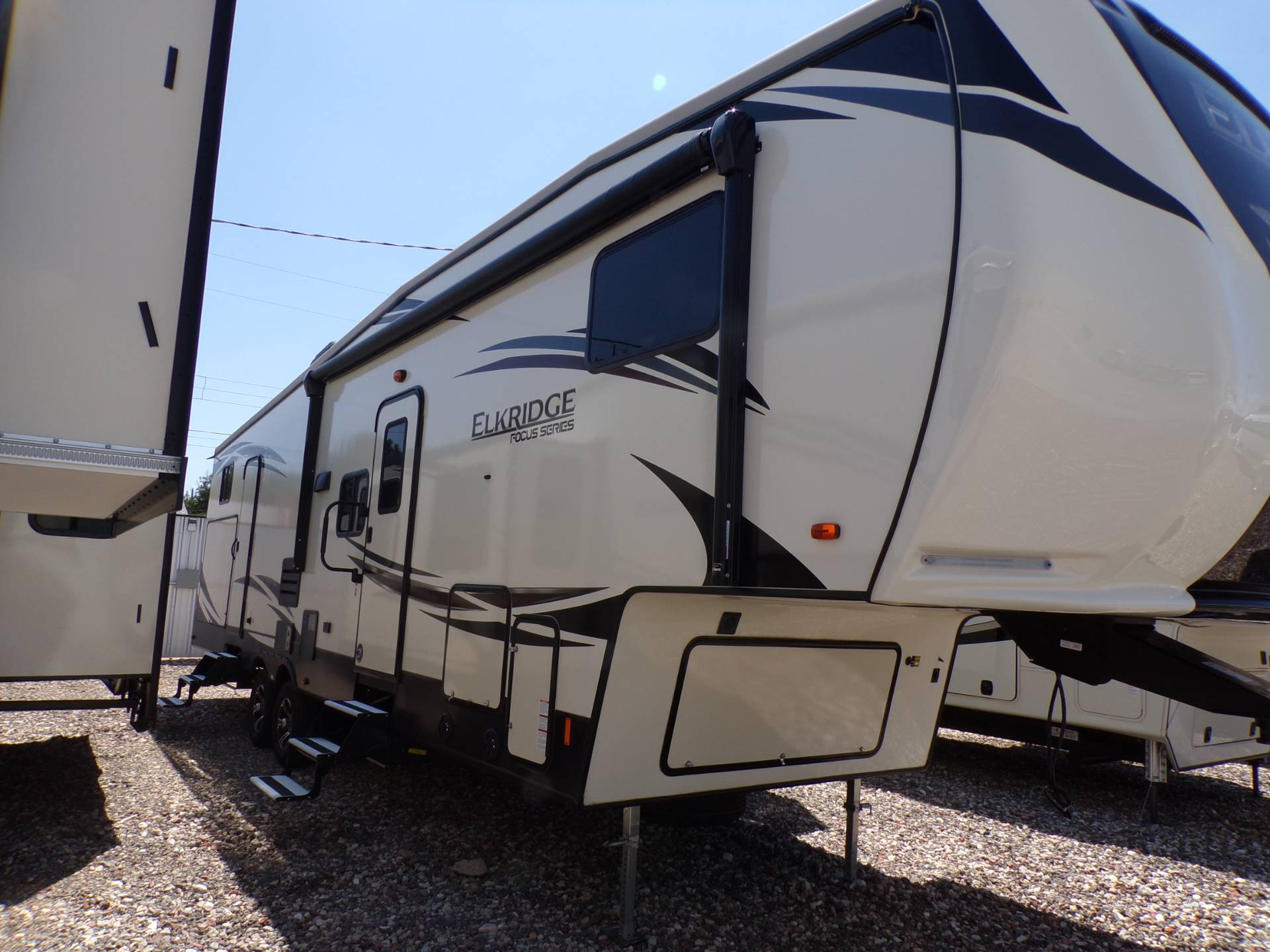 2020 Heartland Rvs Elk Focus 327BH in Wolfforth, Texas - Photo 1