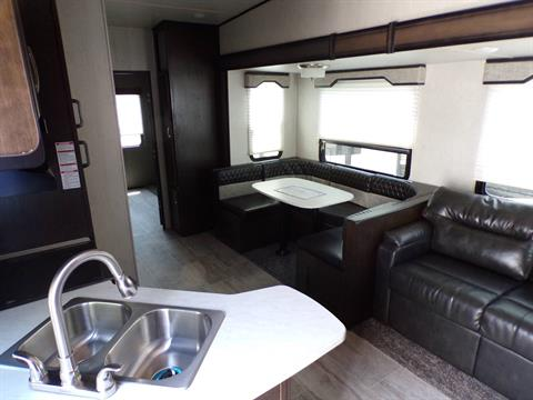 2020 Heartland Rvs Elk Focus 327BH in Wolfforth, Texas - Photo 6
