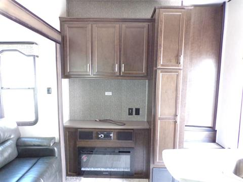 2020 Heartland Rvs Elk Focus 327BH in Wolfforth, Texas - Photo 7