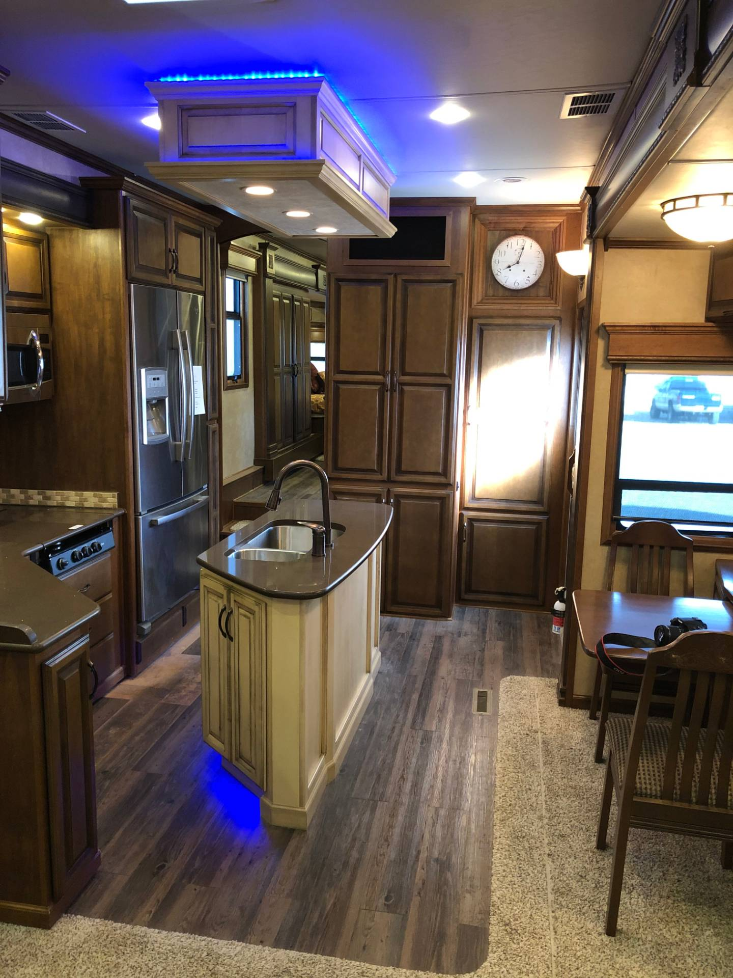 2014 DRV Mobile D Suites 39RESB3 in Wolfforth, Texas - Photo 20
