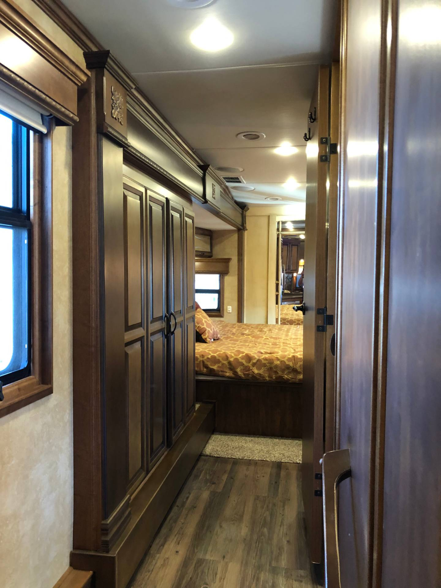 2014 DRV Mobile D Suites 39RESB3 in Wolfforth, Texas - Photo 25