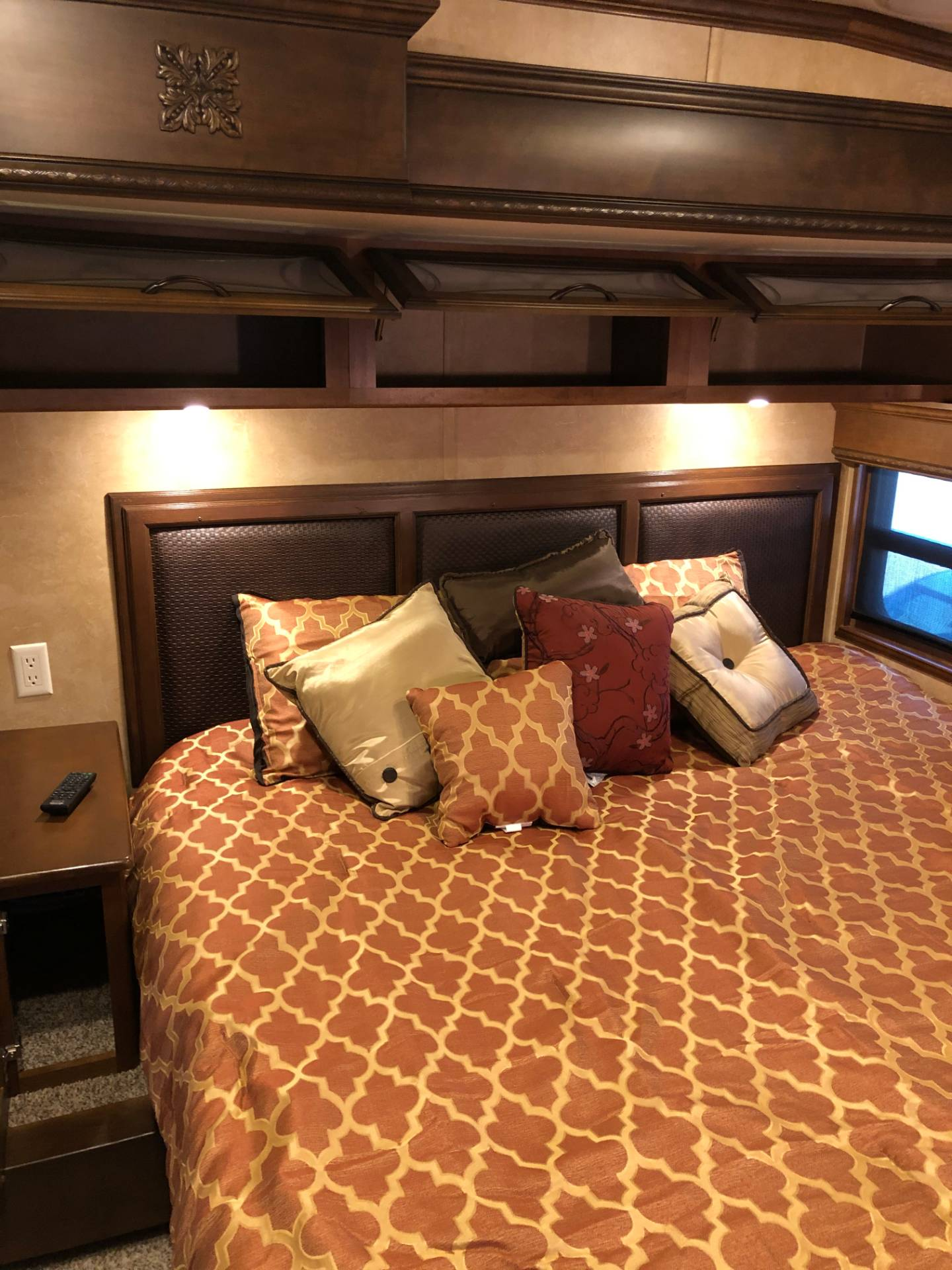 2014 DRV Mobile D Suites 39RESB3 in Wolfforth, Texas - Photo 47