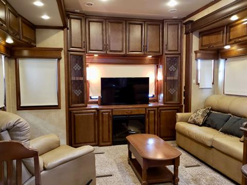 2014 DRV Mobile D Suites 39RESB3 in Wolfforth, Texas - Photo 3