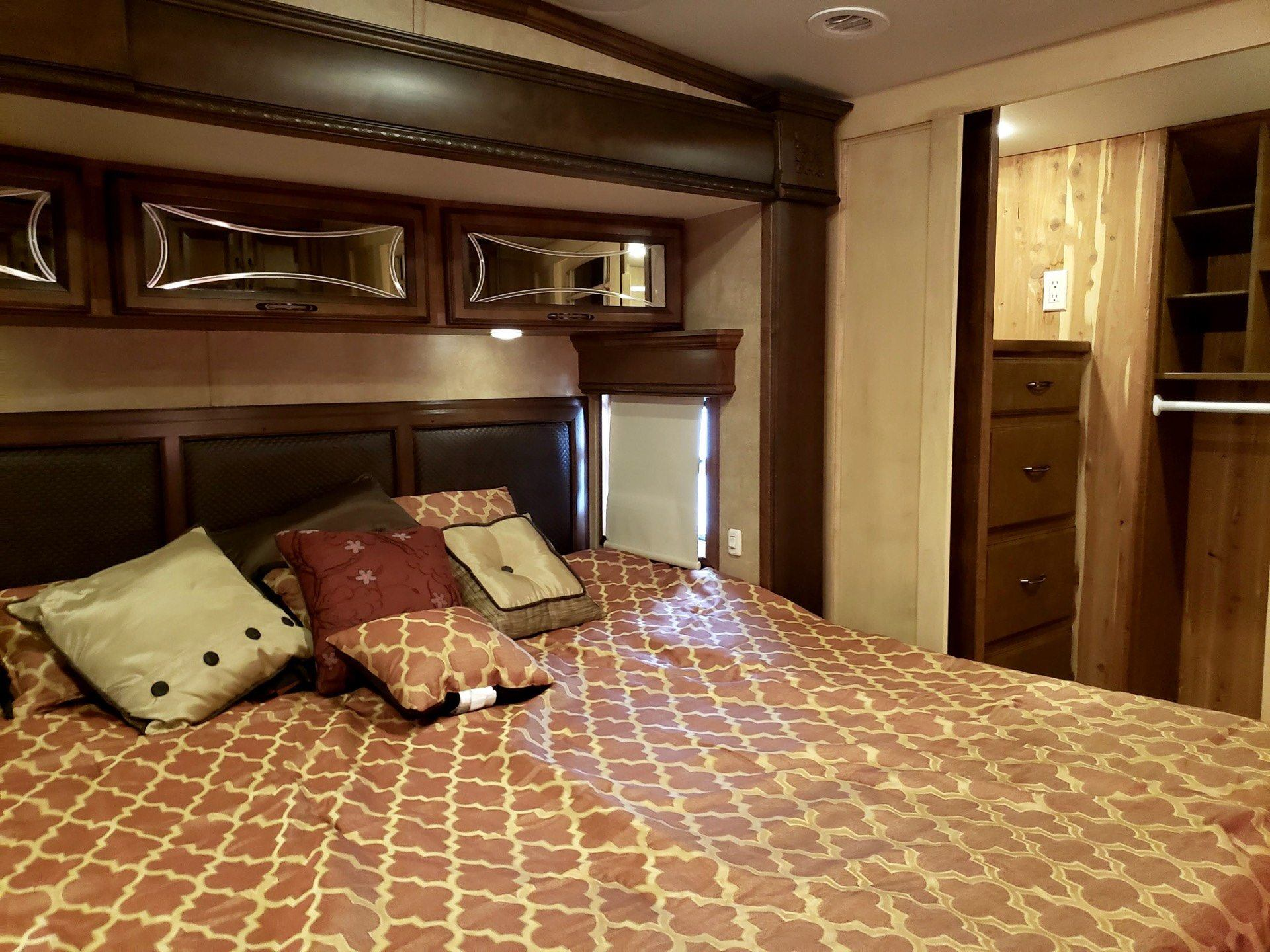 2014 DRV Mobile D Suites 39RESB3 in Wolfforth, Texas - Photo 14