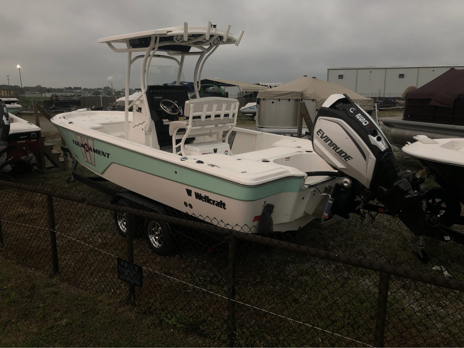 2019 Wellcraft 241 Bay in Lafayette, Louisiana - Photo 2