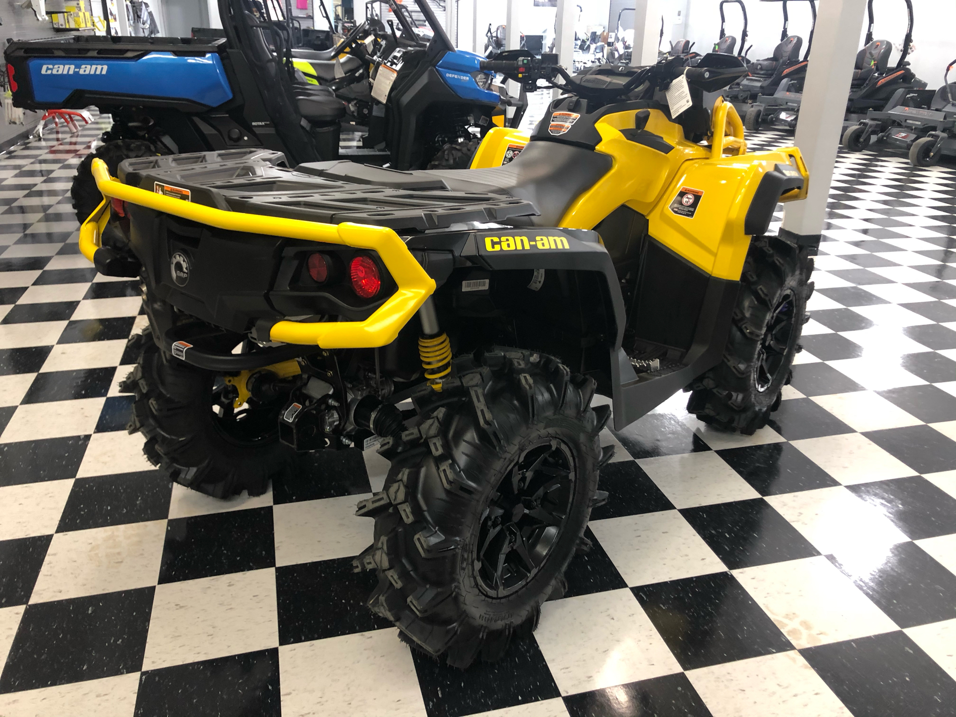 2021 Can-Am Outlander X MR 1000R with Visco-4Lok in Lafayette, Louisiana - Photo 3