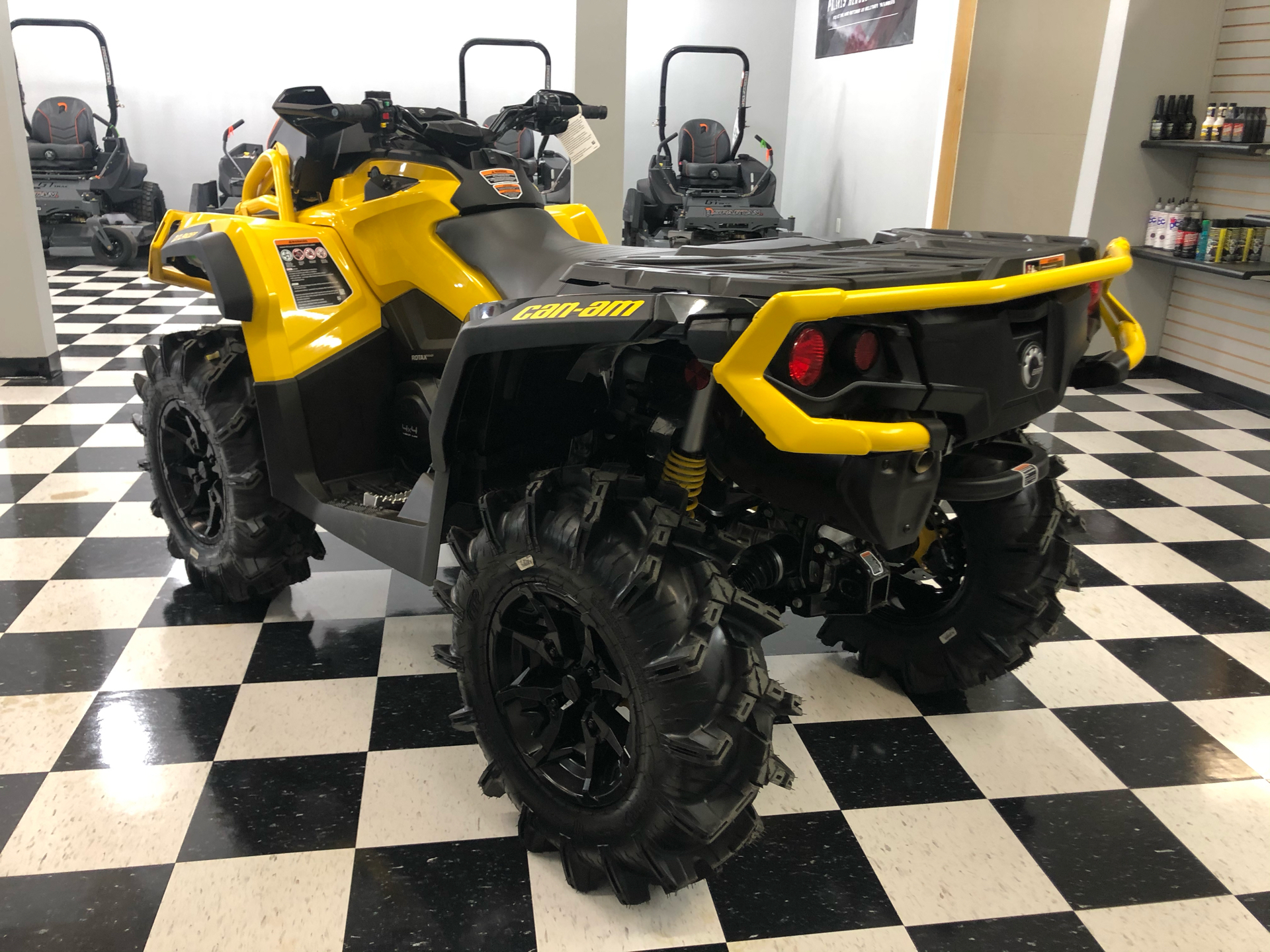 2021 Can-Am Outlander X MR 1000R with Visco-4Lok in Lafayette, Louisiana - Photo 4