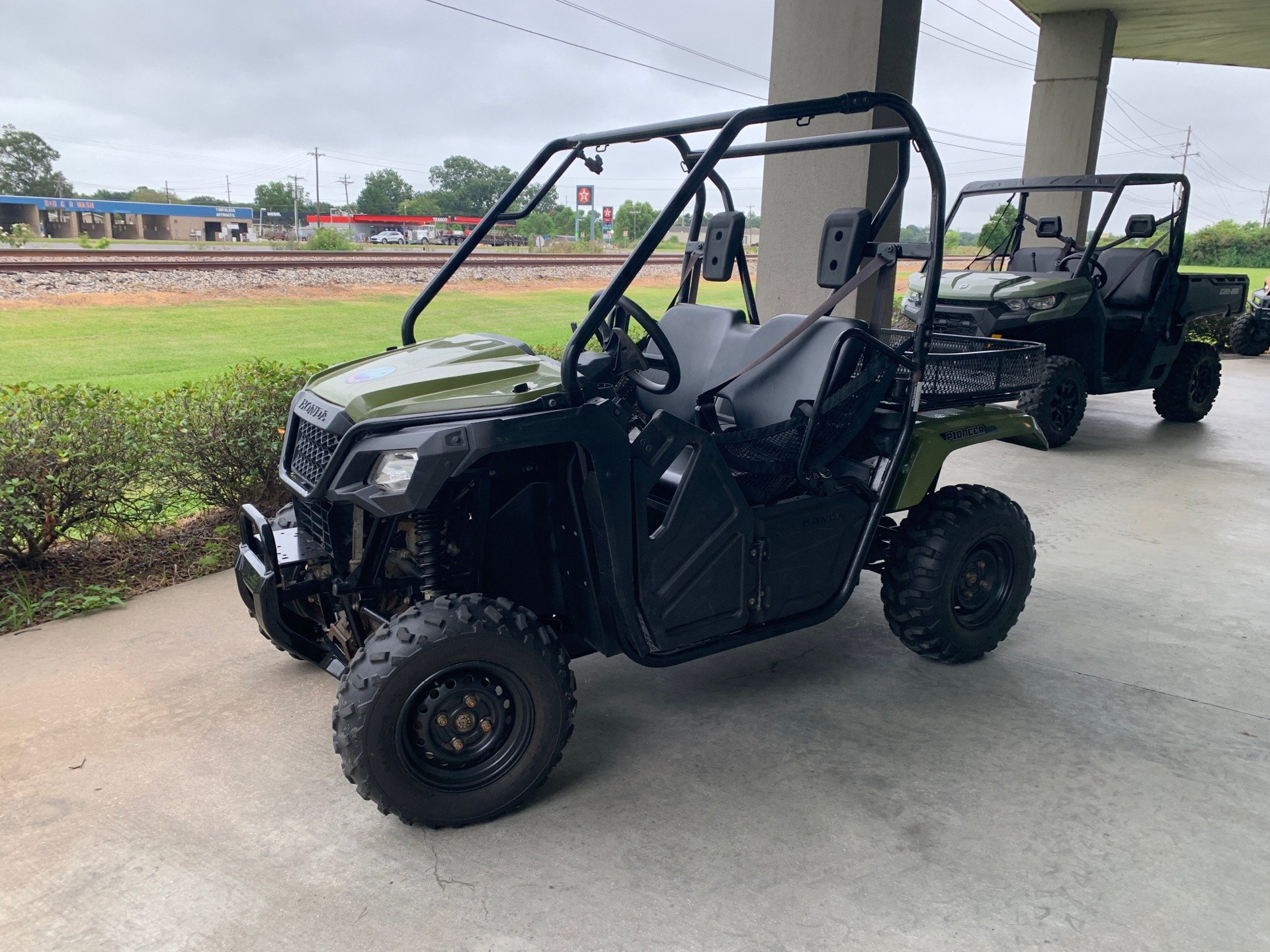 2017 Honda Pioneer 500 in Lafayette, Louisiana - Photo 3