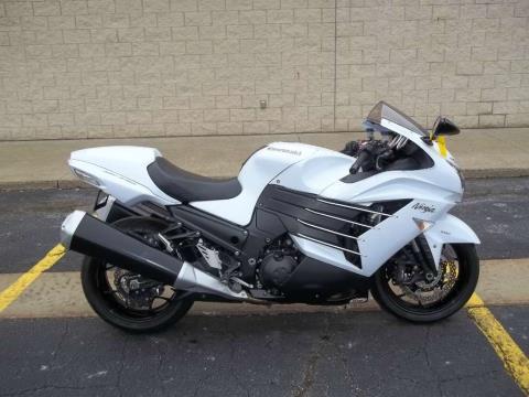 2013 Kawasaki Ninja® ZX™-14R in Canton, Ohio
