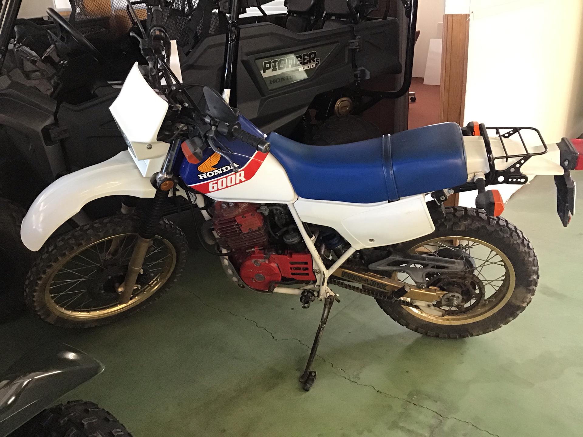 1986 Honda XL600R 1