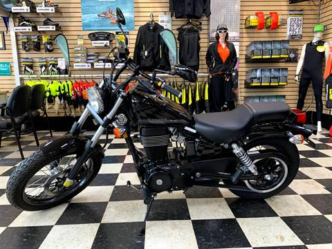 2017 Suzuki Boulevard S40 in Huntington Station, New York - Photo 1