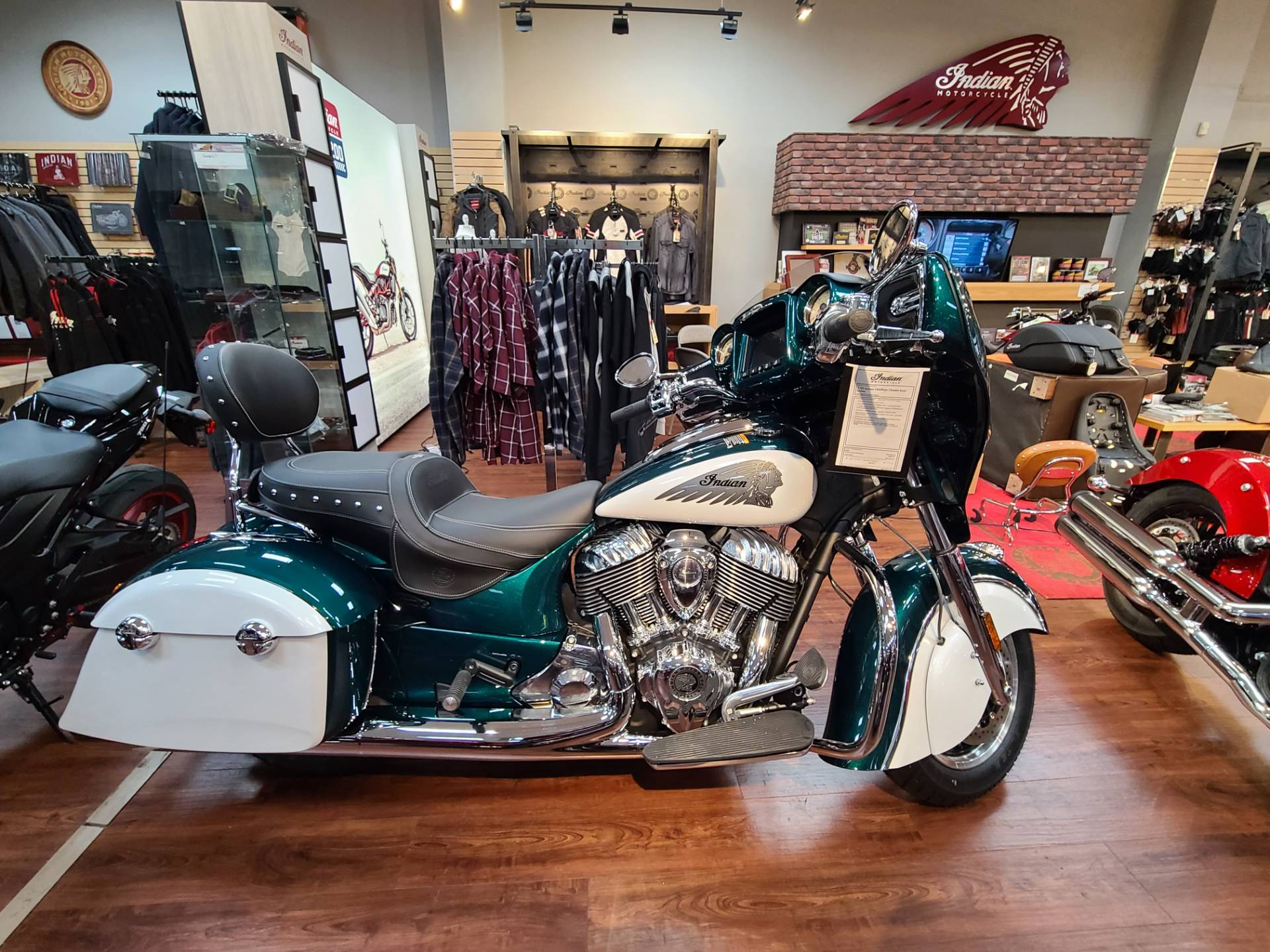 2020 Indian Chieftain® Classic Icon Series in Mineola, New York - Photo 1