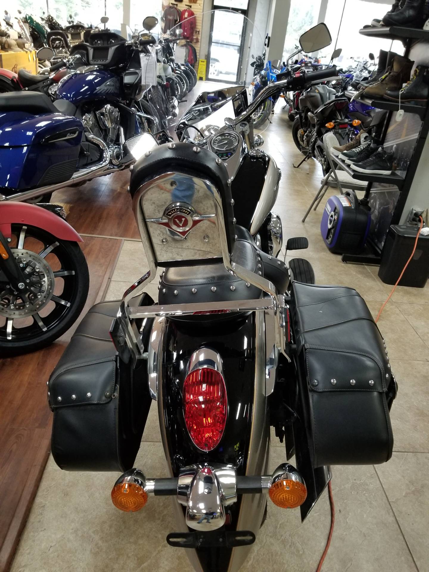 2011 Kawasaki Vulcan® 900 Classic LT in Mineola, New York - Photo 3