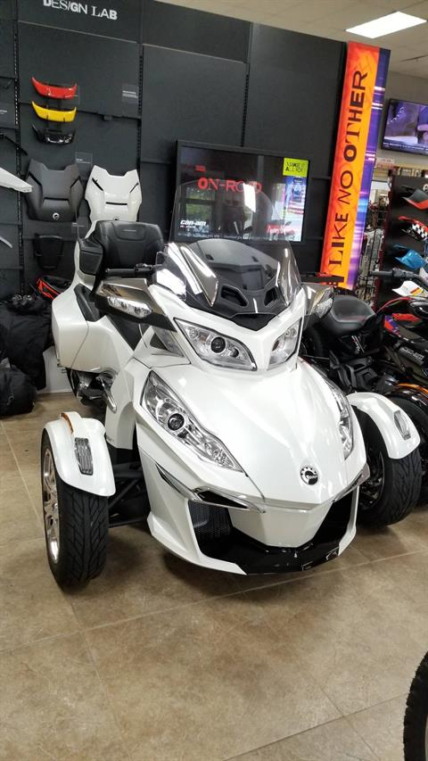 2019 Can-Am Spyder RT Limited in Mineola, New York - Photo 1