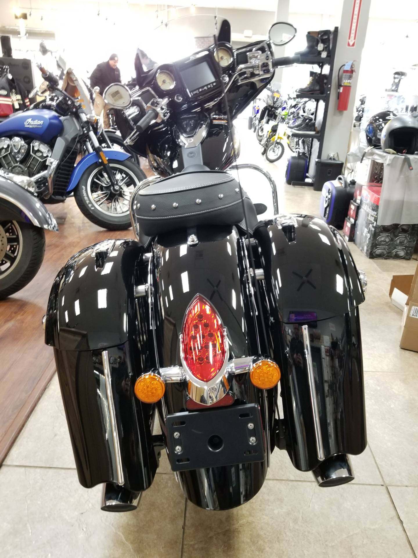 2019 Indian Chieftain® Classic ABS in Mineola, New York - Photo 2
