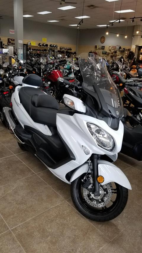 2018 Suzuki Burgman 650 Executive in Mineola, New York - Photo 1