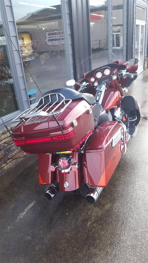 2010 Harley-Davidson CVO™ Ultra Classic® Electra Glide® in Coos Bay, Oregon - Photo 3