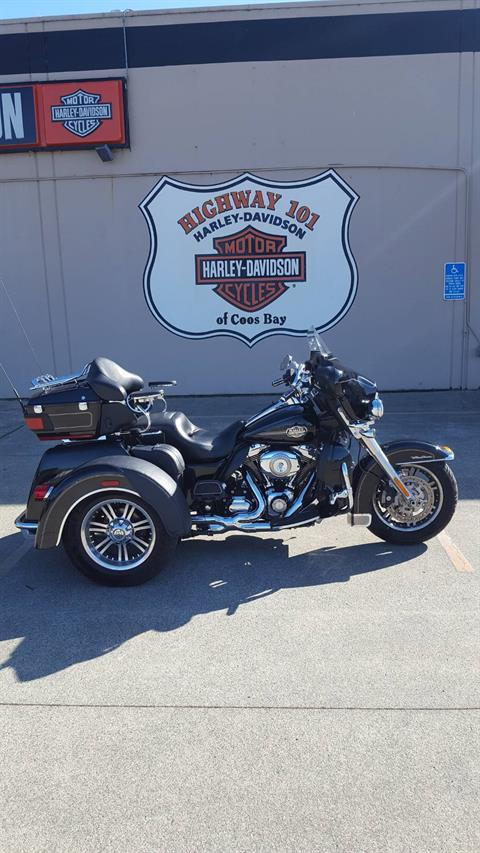 2010 Harley-Davidson Tri Glide™ Ultra Classic® in Coos Bay, Oregon - Photo 1