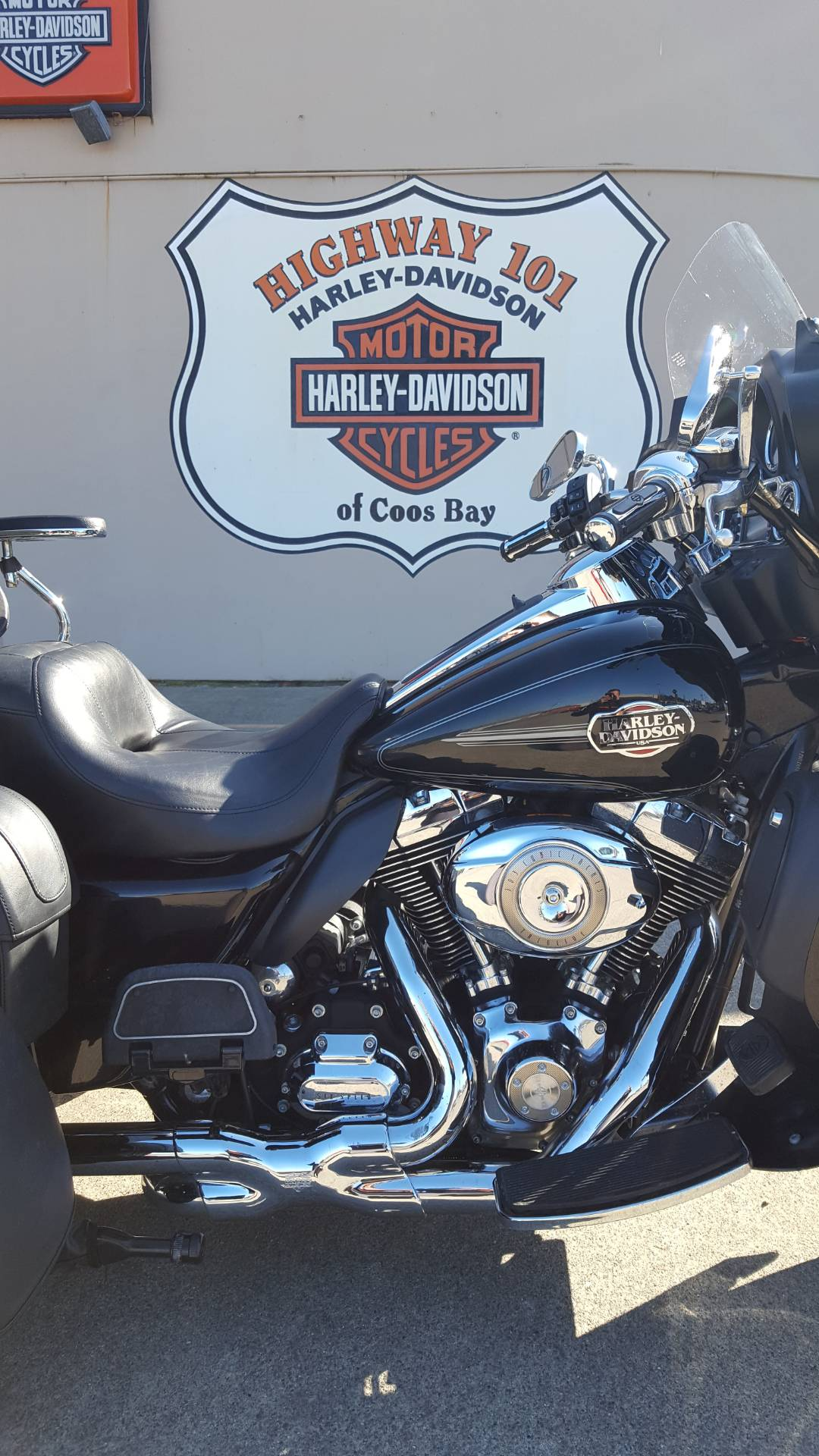 2010 Harley-Davidson Tri Glide™ Ultra Classic® in Coos Bay, Oregon - Photo 2