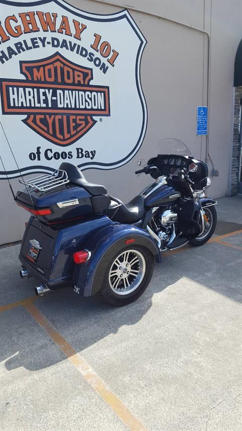 2014 Harley-Davidson Tri Glide® Ultra in Coos Bay, Oregon - Photo 3
