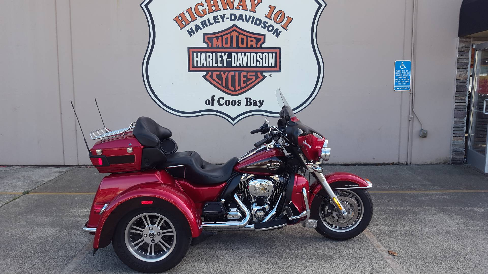 2012 Harley-Davidson Tri Glide® Ultra Classic® in Coos Bay, Oregon - Photo 1