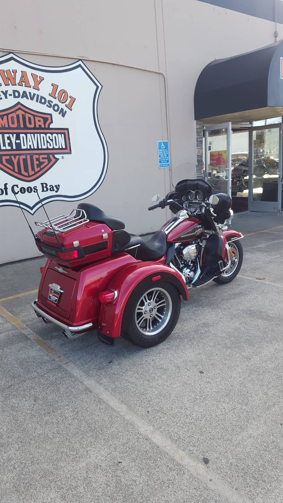 2012 Harley-Davidson Tri Glide® Ultra Classic® in Coos Bay, Oregon - Photo 3