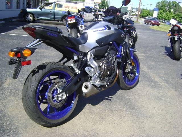 2016 Yamaha FZ-07 6