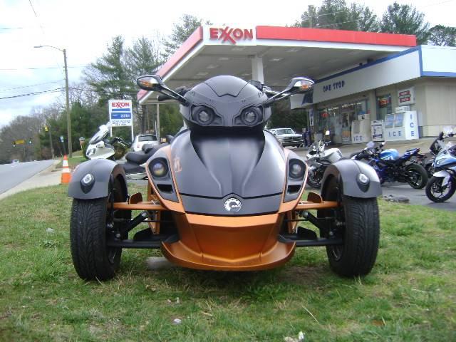 2011 Can-Am Spyder® RS-S SE5 in Asheville, North Carolina
