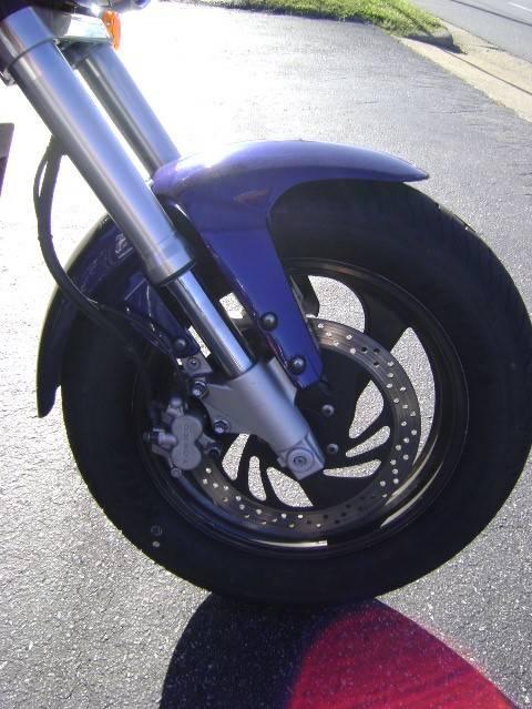 2005 Suzuki Boulevard M50 9