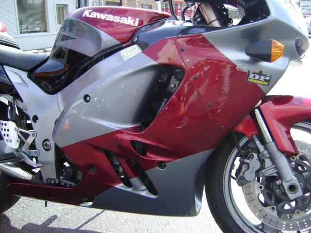1994 Kawasaki zx-9R in Asheville, North Carolina
