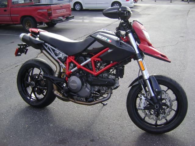2011 Hypermotard 796