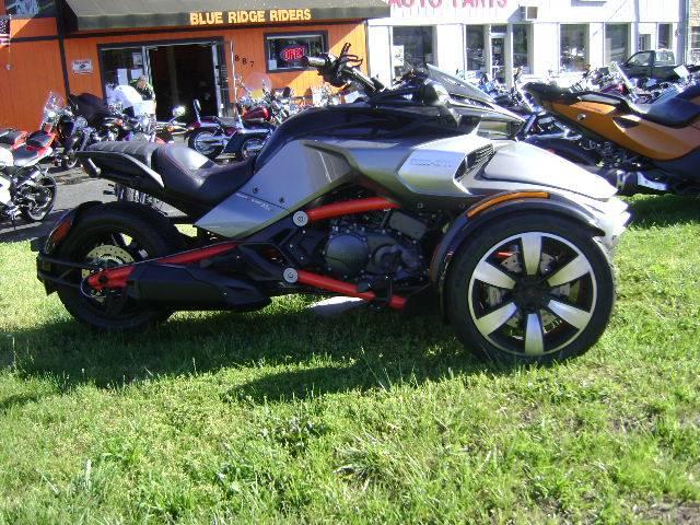 2015 Spyder F3 SM6