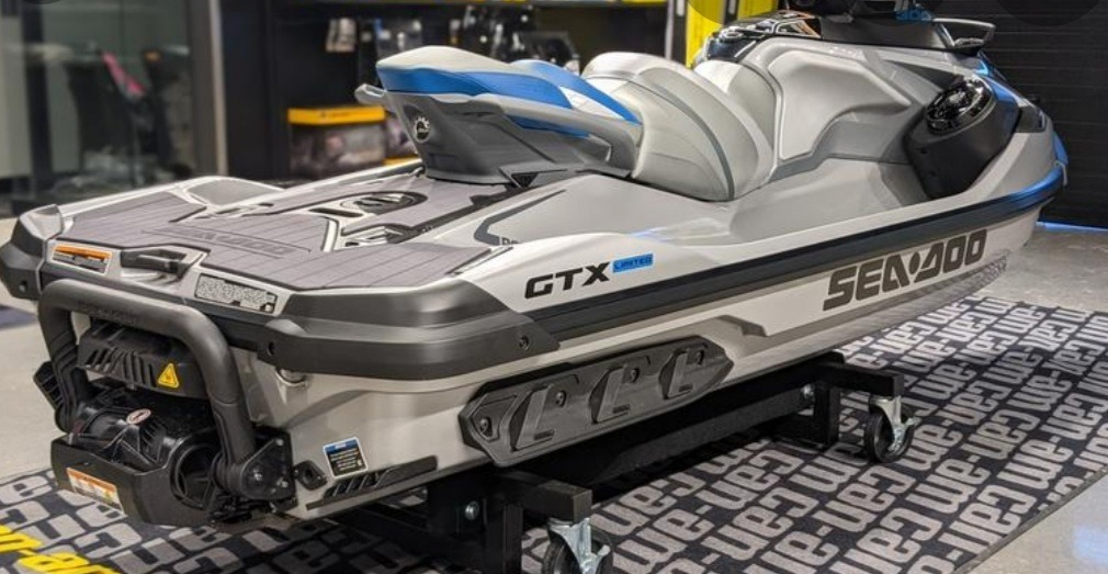 2021 Sea-Doo GTX Limited 300 in Ledgewood, New Jersey - Photo 3