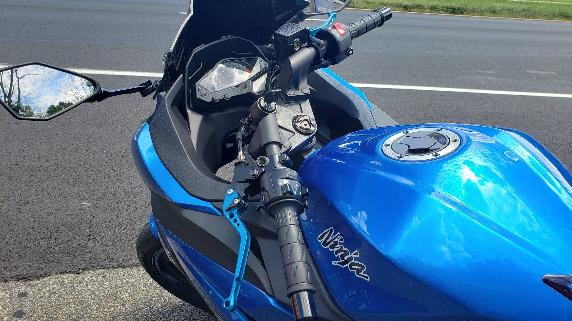 2017 Kawasaki Ninja 300 in Ledgewood, New Jersey - Photo 4