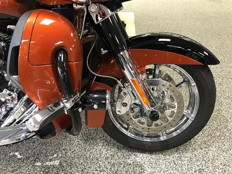 2015 Harley-Davidson CVO™ Road Glide® Ultra in Knoxville, Tennessee - Photo 4