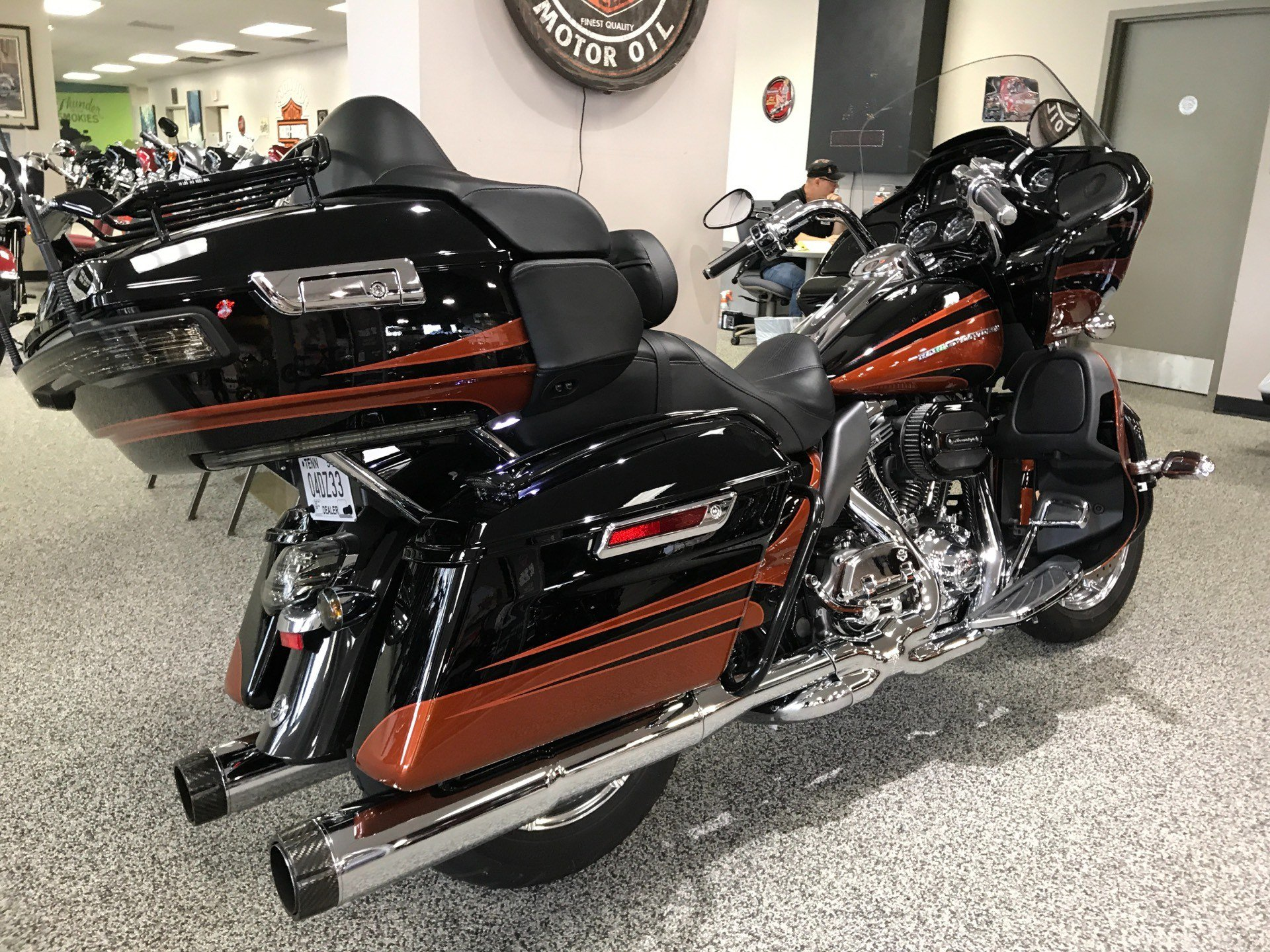 2015 Harley-Davidson CVO™ Road Glide® Ultra in Knoxville, Tennessee - Photo 17