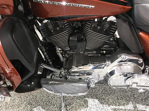 2015 Harley-Davidson CVO™ Road Glide® Ultra in Knoxville, Tennessee - Photo 19