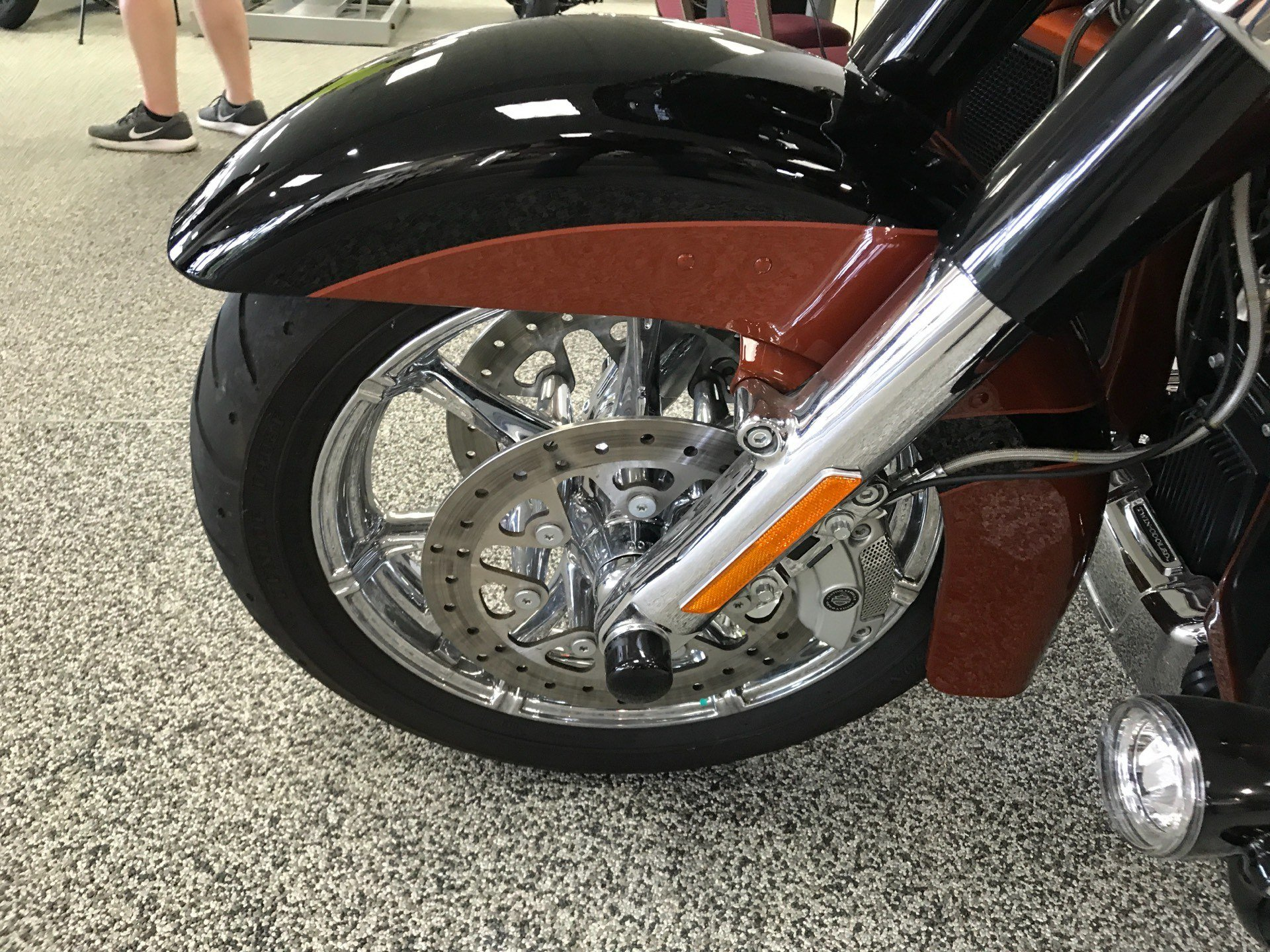 2015 Harley-Davidson CVO™ Road Glide® Ultra in Knoxville, Tennessee - Photo 20