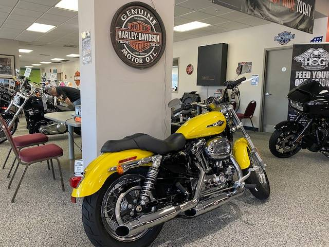 2017 Harley-Davidson 1200 Custom in Knoxville, Tennessee - Photo 5